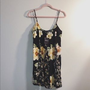 Forever 21 Yellow&Black Floral Print Dress NWT